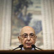 Napolitano cherche une issue à la crise