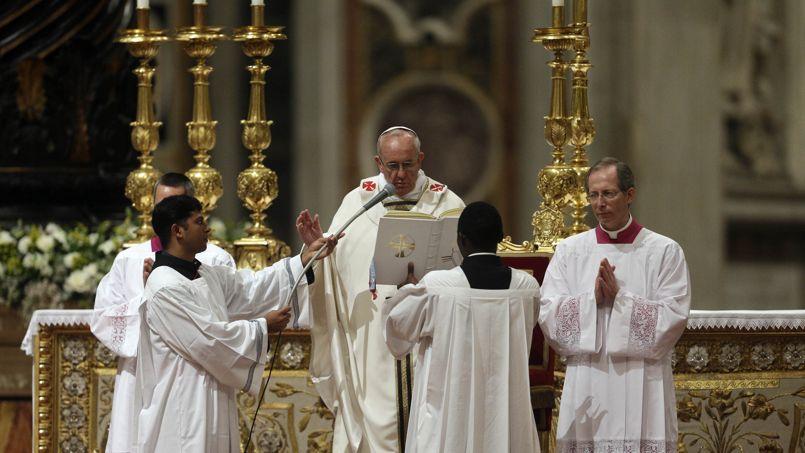 Le pape François samedi soir dans la Basilique Saint Pierre.
