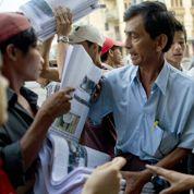 Les Birmans découvrent les quotidiens privés