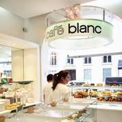 Café blanc Courrèges