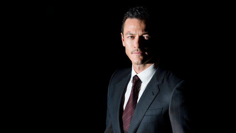 Luke Evans troquera le volant de <i>Fast & Furious 6 </i>contre le faux sang de <i>Dracula Year Zero</i>.