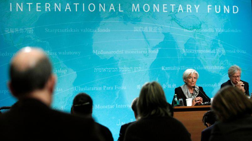 En octobre 2012, le FMI avait prévu une progression de 0,3% du PIB français, et cette prévision avait été ramenée à 0,1% en janvier dernier.
