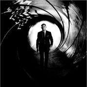 James Bond, en Solo dans le roman de Boyd