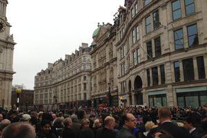 La queue devant Saint Paul. ...pa class=