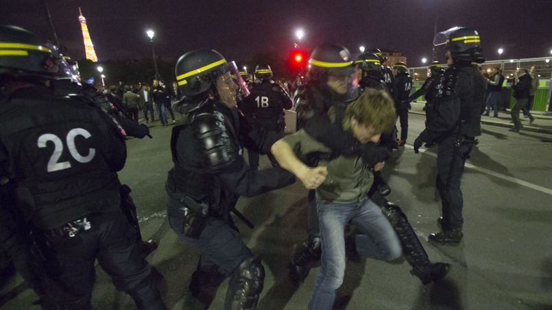 La police a procédé à 70 à 80 arrestations de manifestants refusant de se disperser.