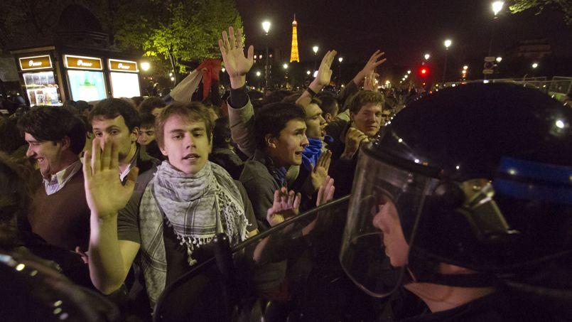 Vers 3h00 du matin, les derniers manifestants refusaient de disperser le cortège.