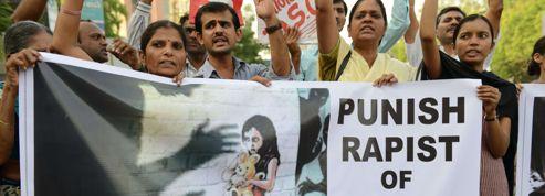 La fillette violée à New Dehli dans un état stable