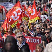 Hollande affronte un mois de manifestations