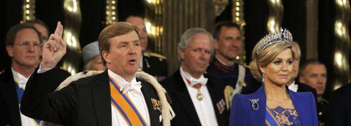 Liesse aux Pays-Bas pour l'intronisation du nouveau souverain