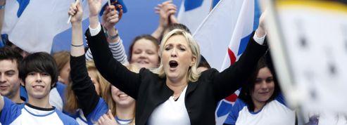 Le Pen veut être la «lumière» d'une France plongée «dans les ténèbres»