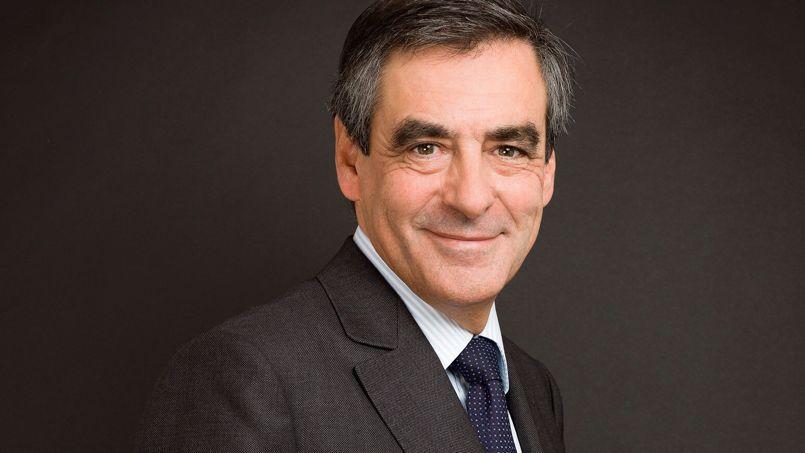 Pour François Fillon, «le quinquennat est en miettes, brisé comme les espoirs» des électeurs de François Hollande.
