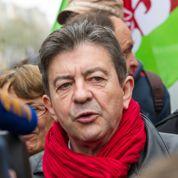 Mélenchon défie Hollande dans la rue