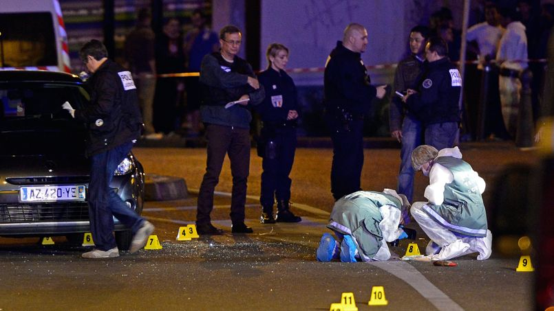 D'après les premiers éléments de l'enquête, deux hommes circulant en deux-roues ont fait feu avec une arme de calibre neuf millimètres sur la victime, dans le quartier Saint-Joseph, à proximité de la cité de la Maurelette.