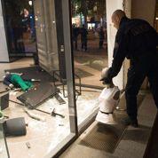 Champs-Élysées : après la liesse, les casseurs
