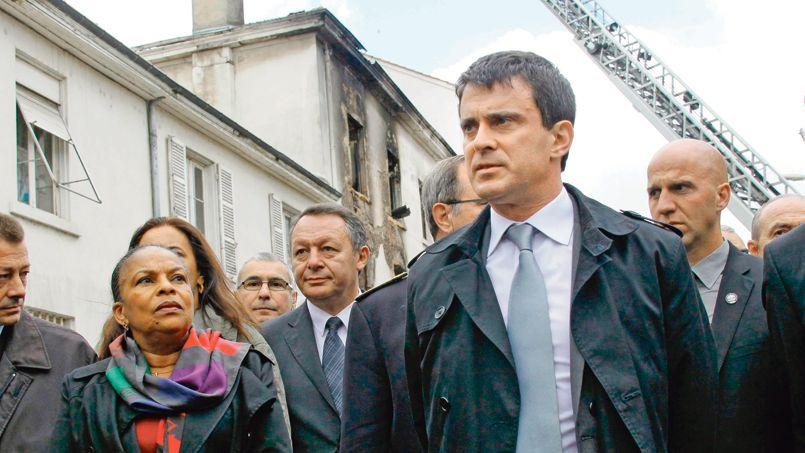 Christiane Taubira a accompagné Manuel Valls lors de son déplacement lundi à Lyon, au lendemain de l'incendie d'une usine désaffectée qui a causé la mort de trois personnes.