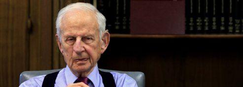 Robert Morgenthau: «Obama fait un piètre travail sur les armes»