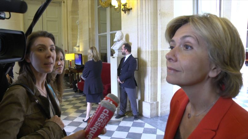 Des députés : «We must improve our english»