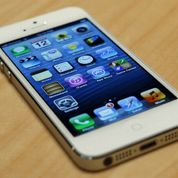 Bruxelles enquête sur les pratiques d'Apple