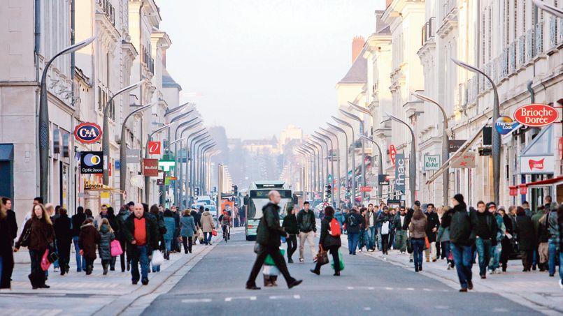 Les magasins apprivoisent Internet pour contrer les e-commerçants