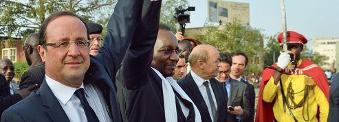 Hollande veut combattre le terrorisme avec Tripoli