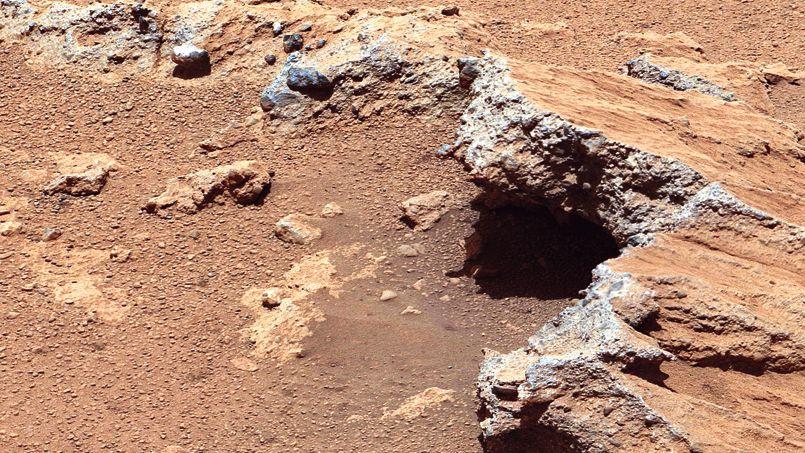 Des traces d'un ancien cours d'eau découvertes sur Mars PHOcccf8e72-c9e1-11e2-9230-111353459397-805x453