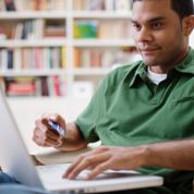 Les hommes plus dépensiers sur Internet