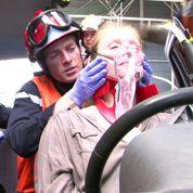 Des pompiers apaisent les victimes par hypnose