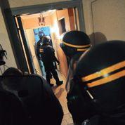 Policiers et bailleurs face aux dealers du 93