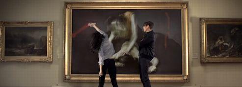 Suede, les rockers anglais vandalisent un musée