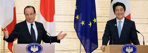 Hollande commet un lapsus au Japon