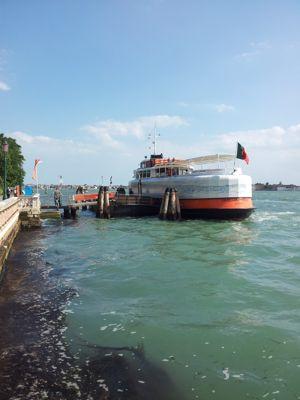 Joana Vasconcelos a transformé un ferry de Lisbonne en création 100% portugaise. PHOTO VD/ LE FIGARO