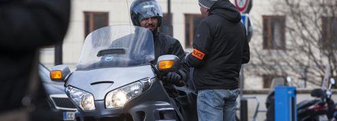Le Conseil constitutionnel allège les sanctions envers les «motos-taxis»