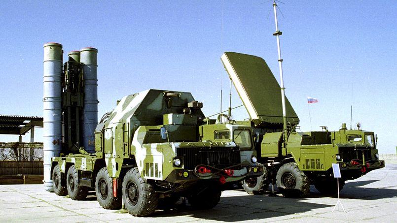 Toute intervention militaire américaine risque de pousser Moscou à livrer ses missiles S300 au régime syrien. Il s'agit d'un système de défense anti-aérienne sophistiqué, dont les batteries sol-air sont capables d'intercepter des avions et des missiles téléguidés.