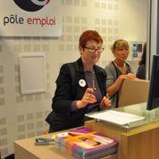 Des employés de Pôle emploi et d'Auchan échangent leur poste