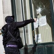 Marche antifasciste : des vitrines brisées