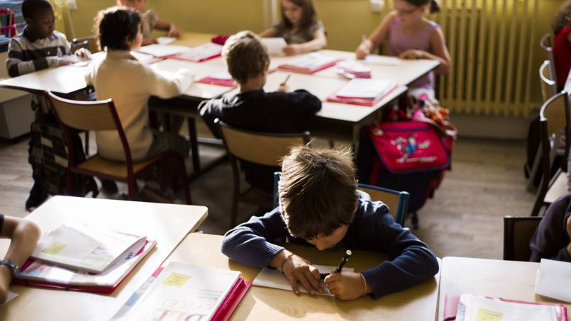 En France, l'enseignement est concentré sur les fondamentaux dans le primaire
