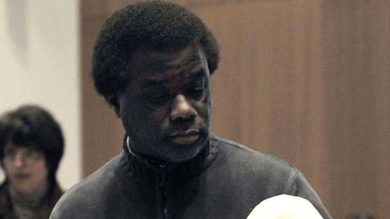 Prison avec sursis requise contre le professeur accusé d'extorsion