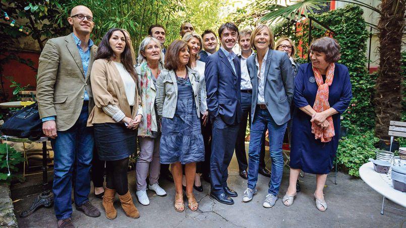 À Paris, le MoDem et le FN entrent en piste pour 2014