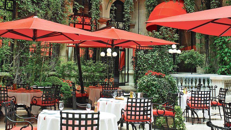 De grands h tels parisiens se refont une beaut for Hotel du jardin menu