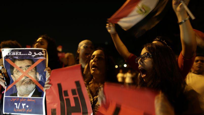 Des opposants de Mohammed Morsi, au Caire, ce vendredi.