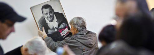 Le photographe de Coluche qui attaque les Restos du cœur s'explique