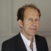 Apple recrute l'ex-PDG d'Yves Saint Laurent