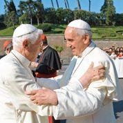Le pape publie sa première encyclique