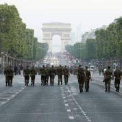 Le défilé du 14 juillet subit la crise
