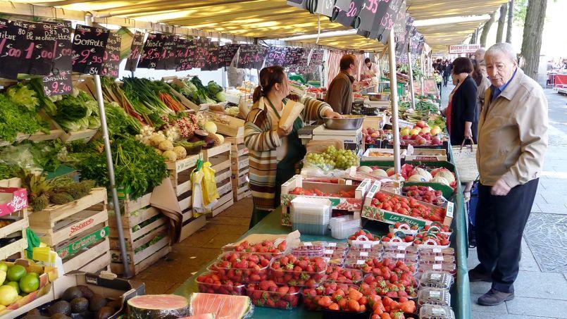 La baisse de température a ralenti la consommation pour des produits de saison .