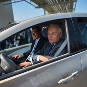 Roms: Ayrault joue la prudence à Bucarest