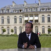 Hollande demande à la gauche de se rassembler