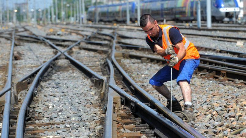 Comment les cheminots inspectent les aiguillages
