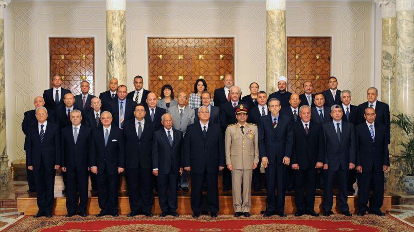 Le gouvernement provisoire égyptien, mardi.