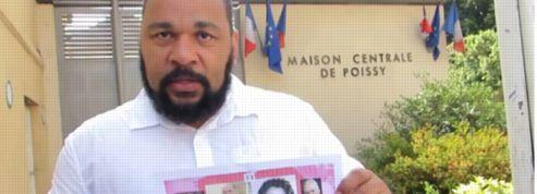 Un mariage homosexuel inédit à la prison de Poissy